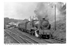 207 & train for Dublin. Old Steam Train, Steam Engine, Steam Locomotive, Ireland Travel, Dublin, Old Photos, Irish, Germany, Around The Worlds