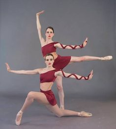 """Ballet Concerto presents the world premiere of Elise Lavallee's """"Ouroboros"""" on its Summer Dance Concert this weekend. Dance Picture Poses, Dance Poses, Dance Pictures, Ballet Poses, Ballet Tutu, Ballet Dancers, Bolshoi Ballet, Dance Photography Poses, Contemporary Dance"""