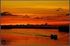 Atardecer en el Amazonas peruano.
