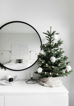 idée de déco pour Noël moderne avec sapin design