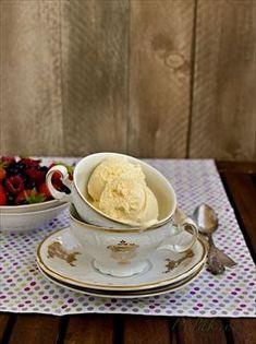 Obrázek Recept - Vanilková zmrzlina Bruschetta, Marshmallow, Tea Cups, Tableware, Recipes, Mascarpone, Candy, Dinnerware, Dishes