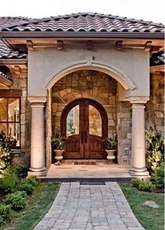 Spanish style home with a California twist Custom homes by Miller Spanish Style Homes, Spanish House, Spanish Colonial, Style At Home, Hacienda Style, Tuscan House, Mediterranean Home Decor, House With Porch, House Front