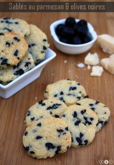 Cookies au parmesan et olives noires - Miranda Gapper Vol Au Vent, Shortbread, Buffets, Easy Cooking, Food Inspiration, Love Food, Appetizer Recipes, Food Porn, Food And Drink