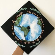 """The very best thing you can do for the world is make the most of yourself"" I love how this custom grad cap came out! #graduationcap #gradcap #classof2016"