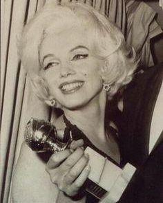 "5,947 Me gusta, 38 comentarios - Charlotte Tilbury (@ctilburymakeup) en Instagram: ""Darlings, this time of year, I ALWAYS look back to #BeautyIcons like #MarilynMonroe for…"""