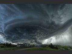 """""""Un incroyable orage supercellulaire au-dessus de Blackhawk, dans le Dakota du Sud."""""""