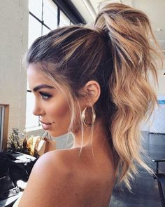 These Winter Hairstyles Will Take Your Breath Away – We have the latest on how to get the haircut, hair color, and hairstyles you want for the season! These Winter Hairstyles Will Take Your Breath Away These Winter Hairstyles Will Take Your Breath Away High Ponytail Hairstyles, Twist Ponytail, Daily Hairstyles, Winter Hairstyles, Trendy Hairstyles, Wedding Hairstyles, Formal Ponytail, Gorgeous Hairstyles, Black Hairstyles