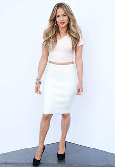 Jennifer Lopez in ASOS paired with Jacob&Co jewels backstage at 'American Idol'. I didn't really like her makeup but I love the outfit! American Idol, Fashion News, Fashion Outfits, Star Fashion, Fashion Styles, Metallic Mini Dresses, Idole, Celebrity Look, Celeb Style