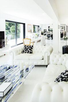 Need a #bright #interior ? #villa #house #eze #FrenchRiviera #interiordesign #lounge #maison #design #cotedazur #salon #вилла #дом #гостиная #эз #лазурныйберег #французскаяривьера #Франция #дизайн