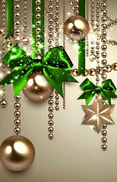 Best 12 Green Christmas decoration – Page 404549979027596354 Gold Christmas Decorations, Christmas Tree Themes, Green Christmas, Christmas Art, Christmas Projects, Christmas Holidays, Christmas Wreaths, Christmas Pictures, Christmas Ornaments