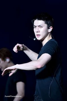 Sehun - 170318 Exoplanet - The EXO'rDium in Kuala Lumpur Credit: Sweet Temptation. Sehun Cute, Wearing All Black, Chanyeol, Short Hair Styles, Concert, Celebrities, Instagram Posts, Fictional Characters, Kuala Lumpur