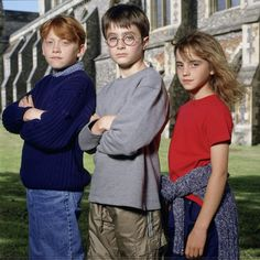 Some publicity photos of Rupert Grint, Emma Watson, and Daniel Radcliffe have re-emerged from the year 2000.