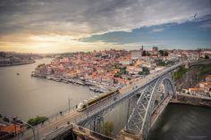 https://flic.kr/p/TnB8wH | Sunset in Douro | Vista sobre a Cidade do Porto - Portugal - 2017