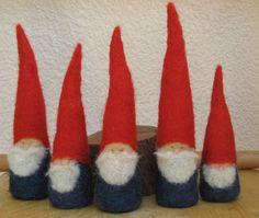 Felted Christmas Gnome figurine  Waldorf di myjacobsladder su Etsy, $18.00