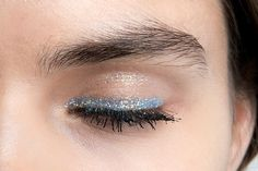 '90s Hair & Makeup Trends To Try:  Glitter