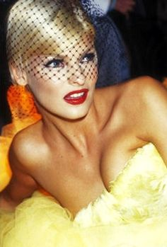 Linda Evangelista, still beautiful even after all these years.