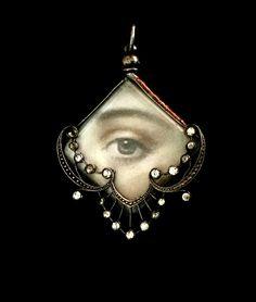 Antique Lover's Eye