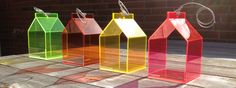 Flotte fuglehuse, der er lige så funky inde som ude. Fås i to størrelser til både væg og loft-ophæng fra kr. 499,-