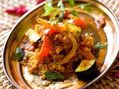 Linsen – Curry mediterran Ultraleckeres mediterran angehauchtes Linsen Curry http://einfach-schnell-gesund-kochen.de/linsen-curry-mediterran/