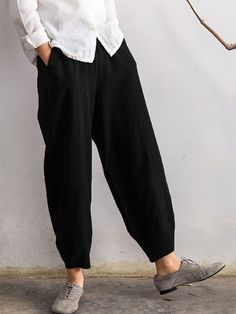 Latest fashion trends in women's Pants & Leggings. Shop online for fashionable ladies' Pants & Leggings at Floryday - your favourite high street store. Pantalon Large, Pants For Women, Clothes For Women, Ladies Pants, Loose Pants, Plus Size Casual, Women's Summer Fashion, Summer Fashions, Color Negra
