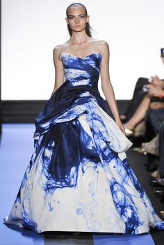 Like drops of ink in a sea of dress. #moniquelhuillier, #runway