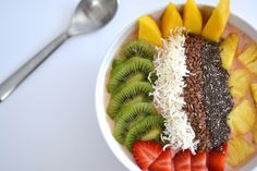#ad Want to get the new year off to a healthy start? We used ingredients from Lucky's Market to create this beautiful tropical smoothie bowl. Their private label frozen fruit mixes are perfect for making delicious smoothies! Check out the recipe and our thoughts about dieting in our latest blog post. #luckysmarket #healthy #recipe #smoothie #newyear