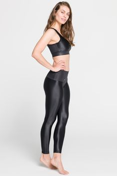 We all love to get out of town sometimes and having comfy leggings whether in a car or on a plane is a must for a short city break…and who says you can't work out while traveling? Short City Breaks, Black Leggings, Plane, Leather Pants, Traveling, Sporty, Comfy, Workout, Car