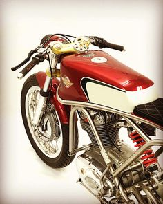 Ducati Tricolore   Alonze Custom - RocketGarage - Cafe Racer Magazine