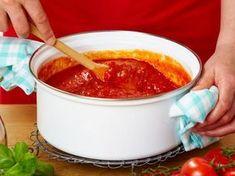 Tomatensauce – das Grundrezept für Pasta und Co. | LECKER