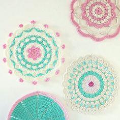 Have a great evening (morning afternoon night...). #crochet #haken #ganchillo #crochetmandala #byhaafner #DSpink