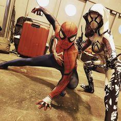 Team #spiderman! #spiderman #cosplay #heroescomiconmadrid #heroescomiccon #spidermancosplay #cosplaying #cosplayer #madrid #venom #symbiothic #venomcosplay #gwenstacy #gwenstacycosplay #marvel #comics #comiccosplay