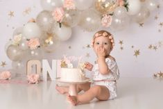 1st Birthday Photoshoot, 1st Birthday Party For Girls, 1st Birthday Decorations, 1st Birthday Cake Smash, Twin Cake Smash, Cake Smash Photos, First Birthday Photography, Birthday Girl Pictures, Inspiration