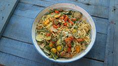 Jamie Oliver receptek - Receptexpressz Pasta Primavera, Vegan Vegetarian, Vegetarian Recipes, Jamie Oliver, Japchae, Pasta Salad, Ale, Panna Cotta, Menu