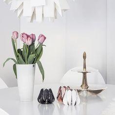 Relax, enjoy, it's Sunday. #beandliv  #flowers #blossom #nordicinspiration #sisustus #interiordesign #inredningsdesign  #sundayafternoon