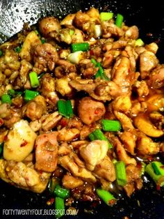 We just tried this Lemongrass Chicken (Ga xao xa ot) recipe. It was quick, simple and turned out very yu We just tried this Lemongrass Chicken (Ga xao xa ot) recipe. It was quick, simple and turned out very yummy! Lemongrass Chicken Recipe, Lemon Grass Chicken, Lemongrass Recipes, Lemongrass Chicken Vietnamese, Asian Recipes, Paleo Recipes, Dinner Recipes, Cooking Recipes, Chicken