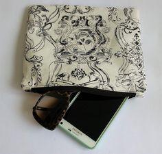 Pochette in cotone Oxford bianco di Alexander Henry di RocknGiu White Cotton, Goth, Skull, Etsy Shop, Shoulder Bag, Bags, Accessories, Shopping, Vintage