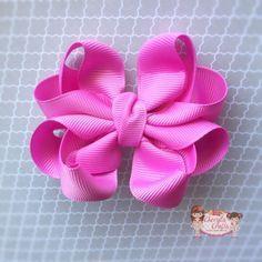 Hi ladies! Have you all seen the latest bow craze?? It's all about the octopus bow! こんにちは!オクトパスボウの作り方を教える。色んな作り方が有る。これは私の方。 申し訳ありません。 ...