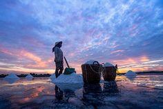 WOMEN_SALT Photo by Tan Diep Bao — National Geographic Your Shot