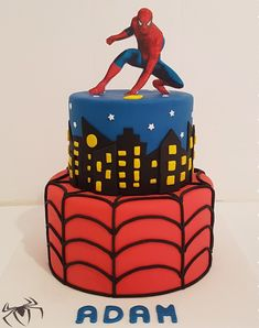 Spiderman Cake Ideas for Little Super Heroes - Novelty Birthday Cakes Spiderman Torte, Spiderman Cake Topper, Spiderman Birthday Cake, Superhero Cake, Marvel Cake, Batman Cakes, Red Birthday Party, Superhero Birthday Party, Bolo Fake Eva