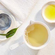 {DIY} Deodorant Spray ~ 3 tablespoons pure witch hazel 2 tablespoons aloe vera gel Large pinch baking soda (no more than ¼ teaspoon) 8 drops of your favorite deodorizing essential oil (like lavender, tea tree, cedar, lemon, or lemongrass)