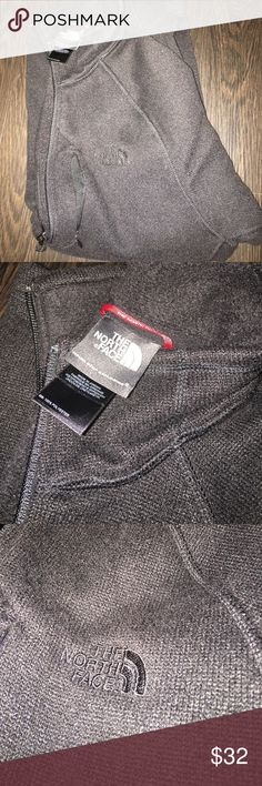 North Face Pullover (Men's S / Women's M) This pullover is super cute and is a half zip in men's, actually! I typically am a M in women's, but this was black on black (which was what I wanted) and ended up being more comfortable than the women's one! Super soft, PERFECT condition! I think I wore this once or twice! The North Face Tops Sweatshirts & Hoodies