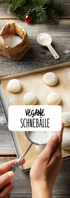 Vegane Schneebälle Vegan backen mit der Familie Kinder backen an Weihnachten W… Vegan snowballs Vegan baking with the family Children baking at Christmas Christmas bakery at home Children smile Happy to Christmas Snowballs to eat # Weihnachtsbäckerei Dutch Recipes, Vegan Recipes, Sante Plus, Vitamine B12, Cake Vegan, Nutritional Yeast Recipes, Vegan Nutrition, Vegan Christmas, Baking With Kids