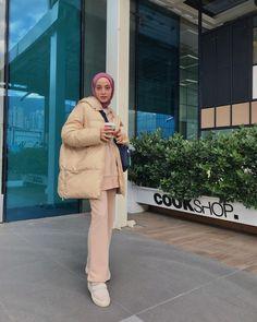 Modest Fashion Hijab, Street Hijab Fashion, Modesty Fashion, Muslim Fashion, Fashion Outfits, Mein Style, Alternative Outfits, Cute Casual Outfits, Streetwear Fashion