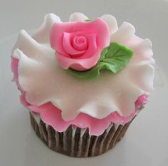 ruffle and rose cupcake - brush the edges of one ruffle with silver.  Can do daisy instead of rose