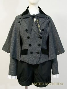 Classical coat with cape