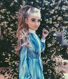 Sabrina Carpenter Makeup & Beauty Tips - Popmania.com