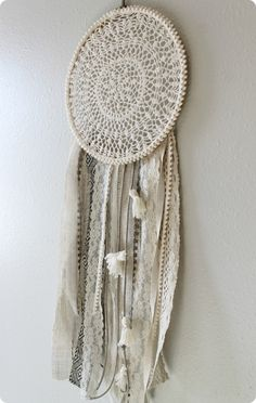 DIY Crafts | How to Make a Dreamcatcher {an Urban Outfitters knock off}
