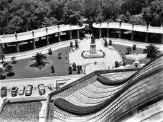 Pérgola en la Alameda Central, vista desde el Palacio de Bellas Artes, 1930s.