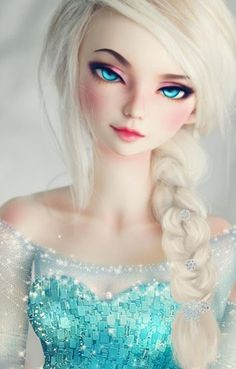 Ball jointed doll Elsa, whoever made this is a GENIUS.