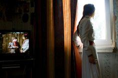 A Gypsy love. The bride expecting a groom. © Annika Haas